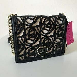 💙NWT!💙 Betsey Johnson Rose Cutout Crossbody Bag